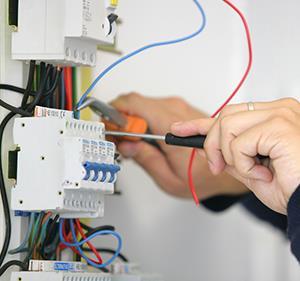 شركة اعمال الكهربا و السباكه و الفاير بالرياض